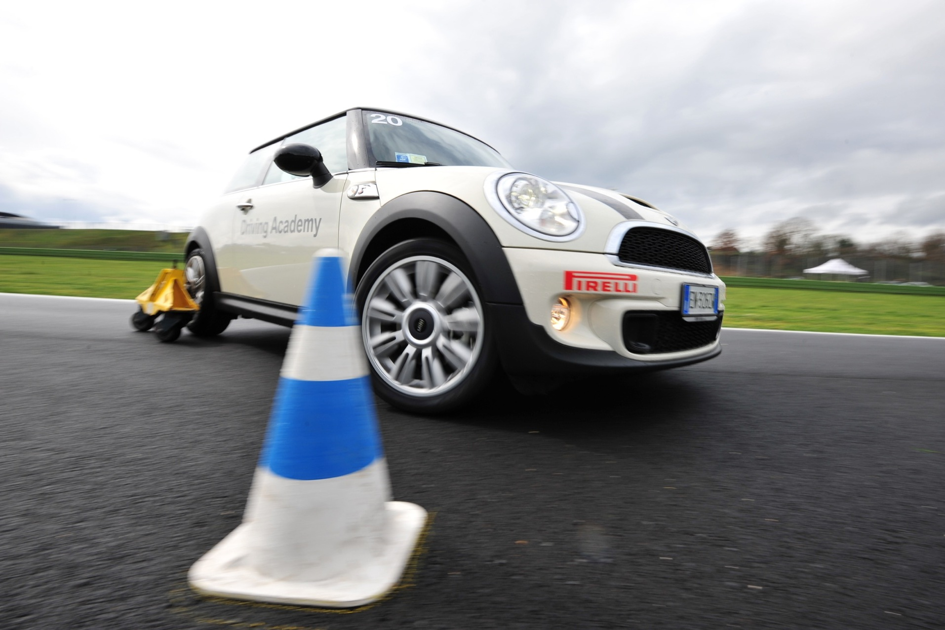 BMW-driving-academy-2014